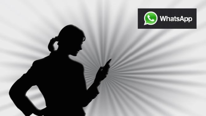 envia muchas fotos juntas con whatsapp